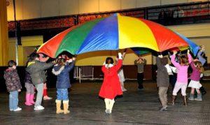 Juegos de cumpleaños fiestas infantiles a domicilio  paracaídas