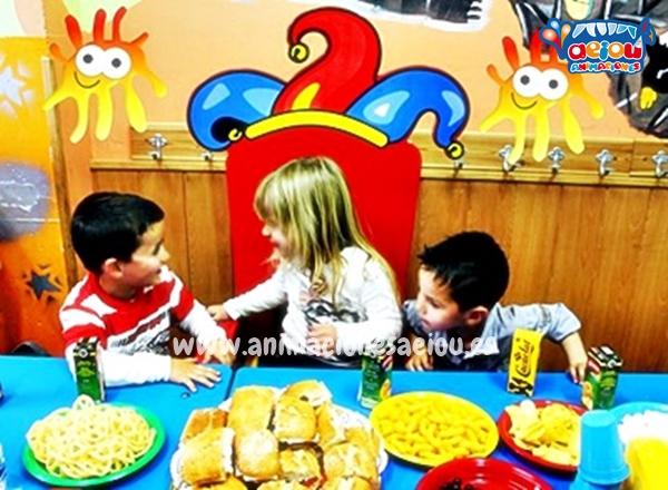 Define la fecha para cumpleaños infantil en parque de bolas