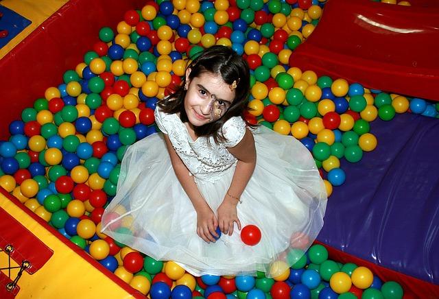 5 trucos para organizar cumplea os infantil en parque de bolas for Bolas piscinas infantiles