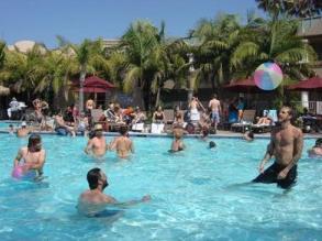 Consejos para celebrar tu fiesta en la piscina