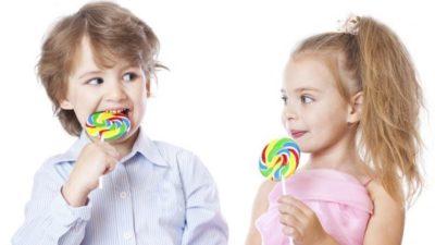 Golosinas y decoraciones para fiestas infantiles
