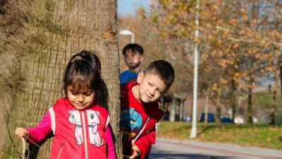 Juegos divertidos para niños al aire libre
